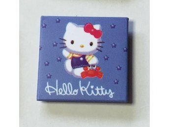 HELLO KITTY. Badge , nålmärke. 27x 27mm.
