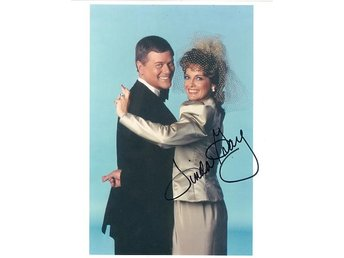 LINDA GRAY ACTRESS *DALLAS* SUE ELLEN EWING* SIGNED AUTOGRAF FOTO