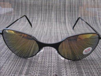 Javascript är inaktiverat. - Uddevalla - 100% UV skydd - Helt nya coola solglasögon. CE märkta!! Skickas i vadderade påsar. Samfraktar såklart! www.ackestradenet.com Pengarna ska betalas in på mitt konto inom fyra dagar efter avslutad auktion. Skickar varan när pengarna landat  - Uddevalla