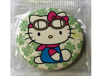 HELLO KITTY. Badge, nålmärke. diameter 45mm