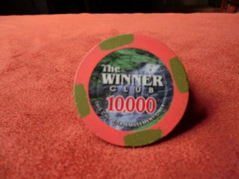 The Winner Cup 10000$ XL poker chips. Card Marker.