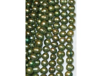 Sötvattenspärlor Potato DARK OLIVE GREEN 7-8 mm  - 1 sträng