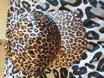 Leopardkeps one size