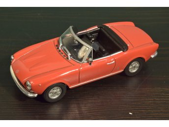 Fiat 124 Spider - 1:43 - Starlinemodels