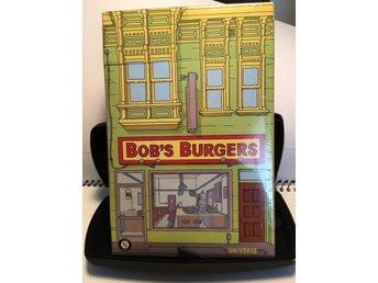 Javascript är inaktiverat. - Uppsala - The Bob's burgers burger box. Loot crate samlar box innehåller menyer från tv serien bobs burgers. Detta är en Loot crate exclusive. Inplastad i nyskick. Samlarvärde säkert för någon! - Uppsala