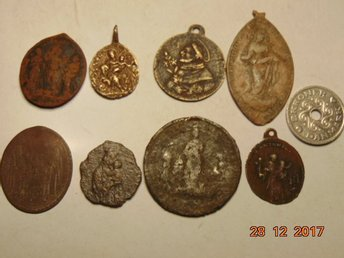 COLLECTION OF VERY OLD MEDALS 8 pieces