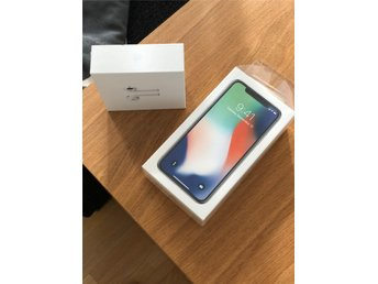 iPhone X 256 GB space gray Olåst+Airpods ny skick