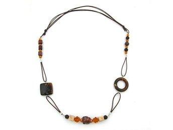 Halsband, Brown, Light Brown, Beige Beads, Different Shapes - Enstaberga - Halsband, Brown, Light Brown, Beige Beads, Different Shapes - Enstaberga