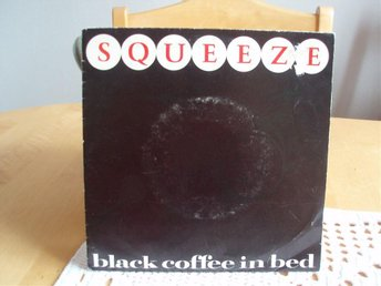 SQUEEZE Black coffee in bed