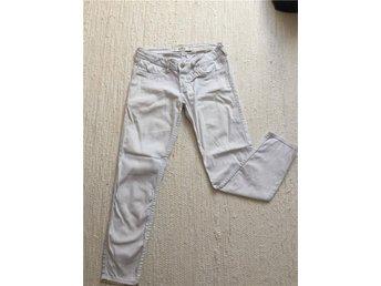 Vita Holister Jeans W26/L27 - Löberöd - Vita Holister Jeans W26/L27 - Löberöd