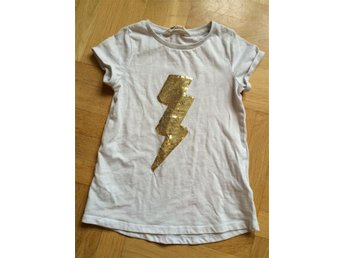Tshirt t-shirt paljetter topp tröja kortärmad hm h&m stl 122/128 - örebro - Tshirt t-shirt paljetter topp tröja kortärmad hm h&m stl 122/128 - örebro