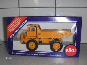 Siku 1/55 - 2934 O&K Heavy Duty Tipper Truck + Originalask
