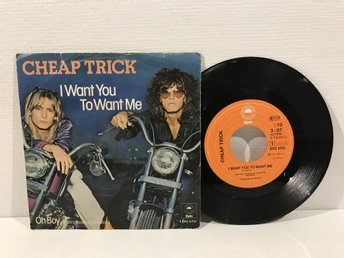 Cheap Trick - I Want You To Want Me (EPC 5701) RARE
