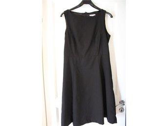 Svart klassisk klänning från H&M storlek 42 - Luleå - Svart klassisk klänning från H&M storlek 42 - Luleå