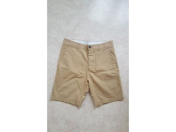 H&M DIVIDED BEIGEA SHORTS BEIGE STRL 28 PEPPY STILRENA