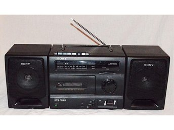 SONY Boombox! Vintage Cassette/Radio Player CFS-1025