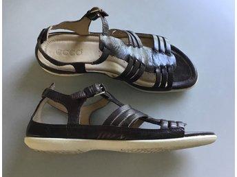 Javascript är inaktiverat. - Ekerö - Fina sandaler mörkbruna i skinn från Ecco Väldigt lite använda - Ekerö