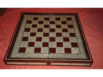 Schackbräde i pärlemor Chessboard Mother of Pearl handmade in Egypt Egypten