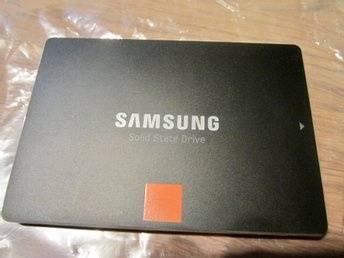 SAMSUNG 840 PRO - 512 GB SSD   - 550 MB  / Read and Write. 6GB/Sek.