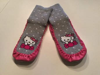 Hello Kitty mockasiner sockeplast tofflor 15.8 cm