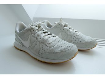 NIKE AIR INTERNATIONALIST, sneakers, skor, sneaker, beige, NYSKICK!