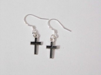 Kristenkor örhängen / Cross earrings
