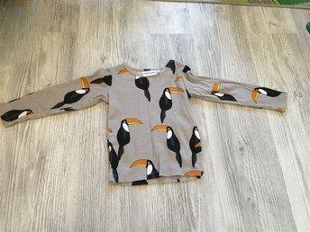 Mini Rodini Tucan tröja 92/98 NWOT - Norberg - Mini Rodini Tucan tröja 92/98 NWOT - Norberg