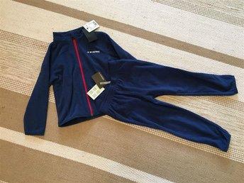 Helt nytt, Everest fleece set, tröja/byxa 98/104, blå färg - åkersberga - Helt nytt, Everest fleece set, tröja/byxa 98/104, blå färg - åkersberga