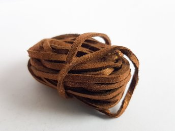Mockaband Guldstoft 3mm Saddle brown Brun 3 Meter - åby - Mockaband Guldstoft 3mm Saddle brown Brun 3 Meter - åby