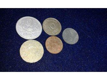 5 mynt,Danmark,1 öre 1959,10 öre 1952,2 öre 1941,5 öre 1975,? - Vallentuna - 5 mynt,Danmark,1 öre 1959,10 öre 1952,2 öre 1941,5 öre 1975,? - Vallentuna