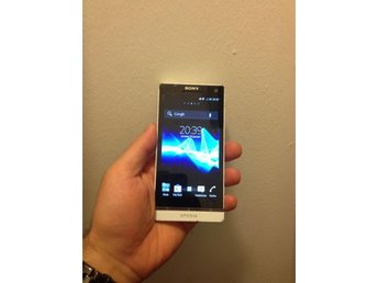 Sony Experia LT26i S Android +12.1MP +32GB +HDMI ,dual core VITFÄRG 2012 4.3""