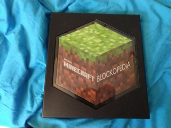 Minecraft blockopedia Mojang Egmont publishing (svensk text)