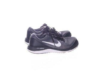 quality design 6935d 19eab Nike, Träningsskor, Strl  35,5, Dual Fusi.. (344122112) ᐈ Sellpy på Tradera