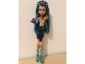 Monster High Neferea de Nile - Boo York City Schemes docka