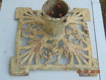 VERY OLD IRON STAND FOR CHRISTMAS TREE 1800-1900