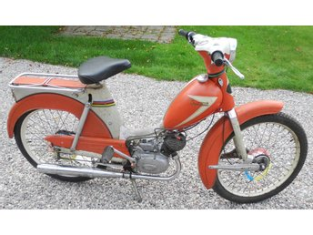 Crescent Saxoped moped