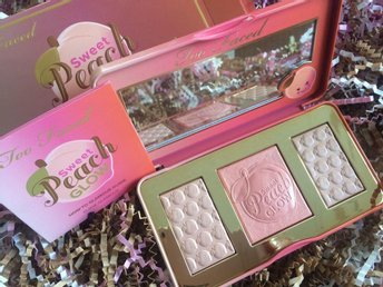 Too Faced Sweet Peach Highlighting Palette