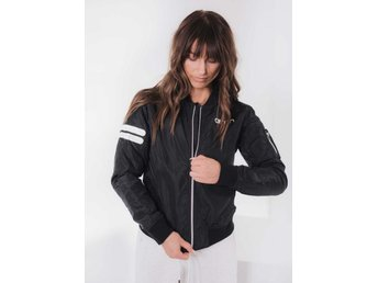 AIM'N BLACK BOMBER JACKET