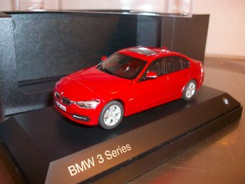 BMW 3-series 335i 2012 röd 1;43 MINT!