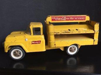Bil 37 cm Coca-Cola Ford bottler ev 1951 Buddy L - Farsta - Bil 37 cm Coca-Cola Ford bottler ev 1951 Buddy L - Farsta