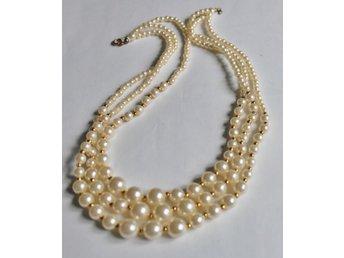 halsband med stora pärlor