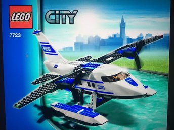 Lego City 7723 Police Pontoon Plane