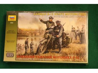 Zvezda 1/35 German WWII R12 motorcycle with 2 riders