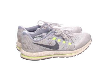 wholesale dealer c3964 dc6ba Nike Running, Löparskor, Strl  41 , Air Zoom Vomero 12, Grå Svart