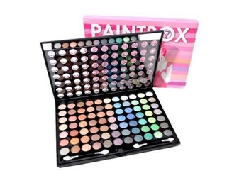 W7 Paintbox 77 Shades of Amazing Eye Colours