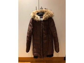 Moncler Kläder ᐈ Köp Kläder online på Tradera • 31 annonser f66002d1f05f5