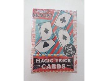 MAGIC TRICK CARDS. TROLLERIKORT. OÖPPNAT. TROLLA MED KORT. - Strandbaden - MAGIC TRICK CARDS. TROLLERIKORT. OÖPPNAT. TROLLA MED KORT. - Strandbaden