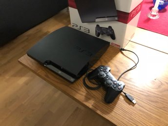 PlayStation 3 (PS3) Slim 120GB, komplett i fint skick