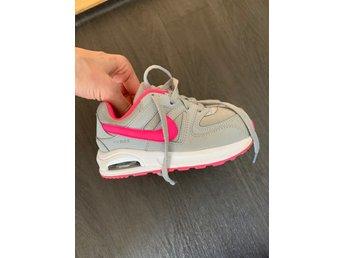 Nike skor storlek 26 (395460992) �?Köp på Tradera