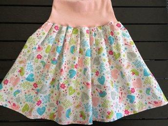 Fin kjol i bomull vår 134 cl - Nässjö - Fin kjol i bomull vår 134 cl - Nässjö